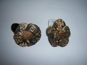 Kuncir Rambut dari Limbah Batik
